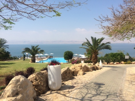 Cascading pools all the way down to the Dead Sea beach, 410m below sea level